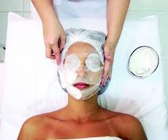 Descubra o quanto é importante fazer limpeza de pele.